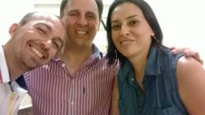 Da esq. para a dir.: Sidney e Canellas comigo (Patrícia Paixão), no primeiro encontro com o jornalista, para planejar a criação da obra