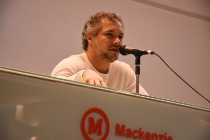 Julio Maria, crítico e biógrafo de Elis Regina